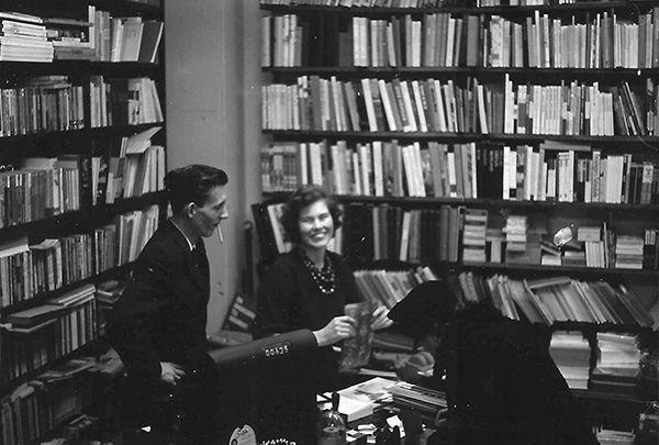 Det unge boghandler-ægtepar