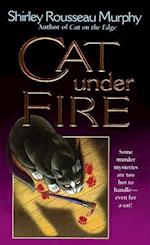 Cat Under Fire af Shirley Rousseau Murphy