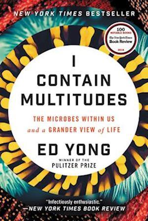 Bog, paperback I Contain Multitudes af Ed Yong
