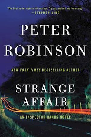 Bog, paperback Strange Affair af Peter Robinson