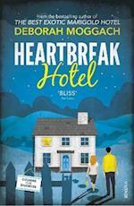 Heartbreak Hotel af Deborah Moggach