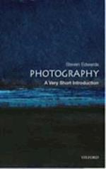 Photography: A Very Short Introduction (VERY SHORT INTRODUCTIONS)