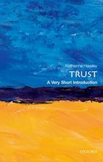 Trust: A Very Short Introduction (VERY SHORT INTRODUCTIONS)