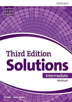 Bog, paperback Solutions Intermediate Workbook