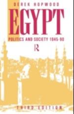 Egypt 1945-1990 af Derek Hopwood