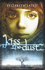 Kiss the Dust af Elizabeth Laird