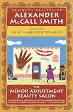 The Minor Adjustment Beauty Salon af Alexander McCall Smith