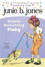Junie B. Jones #12: Junie B. Jones Smells Something Fishy (A Stepping Stone Book(tm))