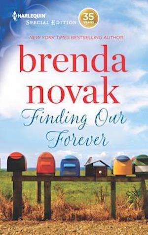 Bog, paperback Finding Our Forever af Brenda Novak