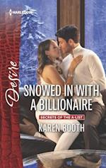 Snowed in With a Billionaire (Harlequin Desire)