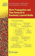 Wave Propagation and Time Reversal in Randomly Layered Media af Jean Garnier, George Papanicolaou