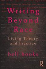 Writing Beyond Race af Bell Hooks