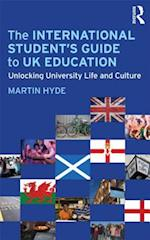 The International Student's Guide to UK Education af Martin Hyde