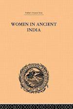 Women in Ancient India af Clarisse Bader