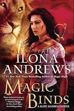 Magic Binds af Ilona Andrews