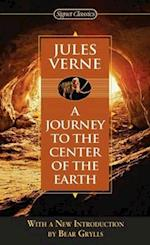 A Journey to the Center of the Earth (Signet Classics)