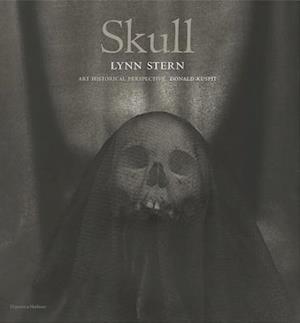 Skull: Lynn Stern