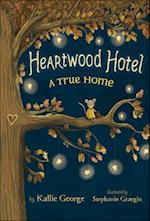 Heartwood Hotel (Heartwood Hotel, nr. 1)