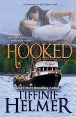 Hooked af Tiffinie Helmer