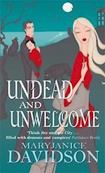 Undead And Unwelcome (Undead/Queen Betsy, nr. 8)