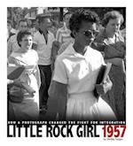 Little Rock Girl 1957 af Shelley Tougas