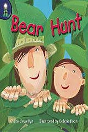Bear Hunt Leveled Reader Package [With Teacher's Guide]