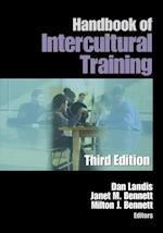 Handbook of Intercultural Training af Milton Bennett, Janet Bennett, Daniel Landis