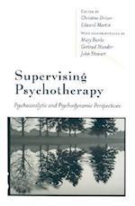 Supervising Psychotherapy af Edward Martin, Gertrud Mander, Mary Banks