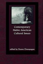 Contemporary Native American Cultural Issues af Duane Champagne