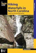 Hiking Waterfalls in North Carolina af Melissa Watson