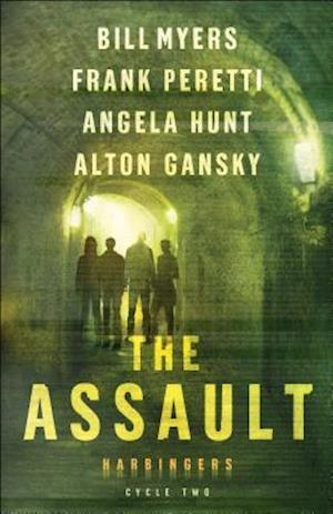 Bog, paperback The Assault af Frank E. Peretti