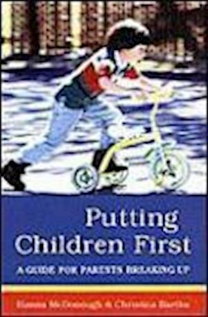 Bog, hardback Putting Children First af Christina Bartha, Hanna McDonough