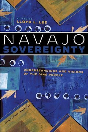 Bog, paperback Navajo Sovereignty af Lloyd L. Lee