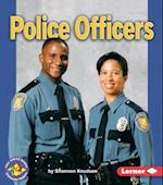 Police Officers (Pull Ahead Books)