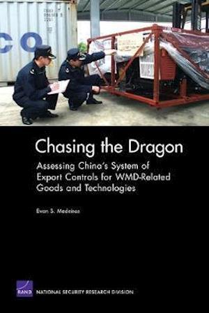 Bog, paperback Chasing the Dragon af Evan S Medeiros
