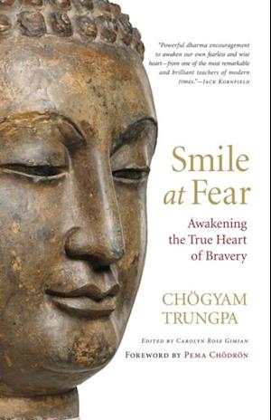 Smile at Fear af Chogyam Trungpa