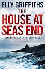 House at Sea's End (The Dr Ruth Galloway Mysteries)