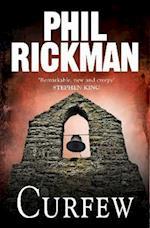 Curfew (Phil Rickman Standalone)