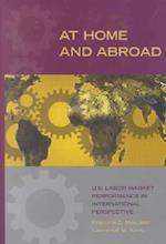 At Home and Abroad af Paul M. Hammond, Lawerence M. Kahn, Francine D. Blau