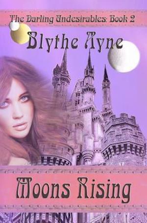 Bog, paperback Moons Rising af Blythe Ayne