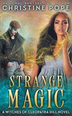 Bog, paperback Strange Magic af Christine Pope