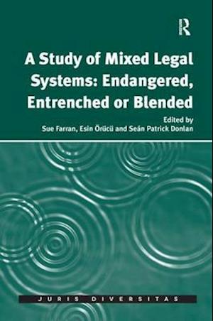 Bog, paperback A Study of Mixed Legal Systems: Endangered, Entrenched or Blended af Sue Farran