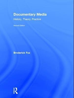 Bog, hardback Documentary Media af Broderick Fox