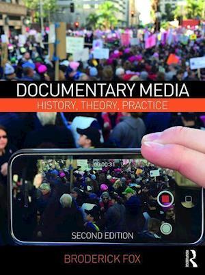 Bog, paperback Documentary Media af Broderick Fox