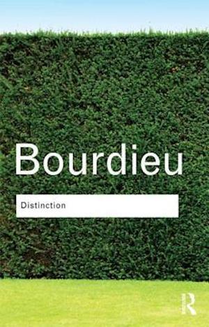 Bog hardback Distinction af Pierre Bourdieu