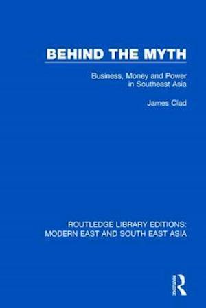 Bog, paperback Behind the Myth af James Clad