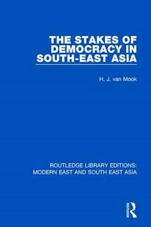 Bog, paperback The Stakes of Democracy in South-East Asia af H. J. van Mook