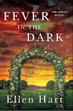 Fever in the Dark af Ellen Hart