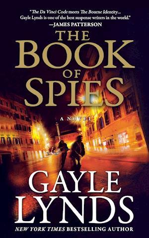 Bog, paperback Book of Spies af Gayle Lynds