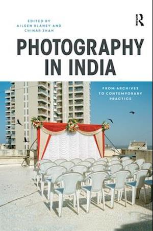 Bog, hardback Photography in India af Chinar Shah